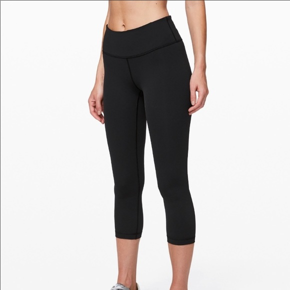 lululemon athletica Pants - Lululemon athletica wunder under cropped leggings